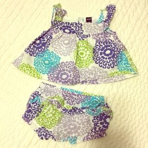 Cutest Old Navy Floral Summer Set, Size 3-6 Mo